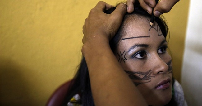 AP PHOTOS: Indigenous beauty queen chosen in Ecuador